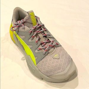 Puma CELL PHAROS Women's Training Shoes Size 7.5